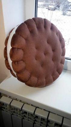 Food Pillows, Cute Pillows, Diy Pillows, Decorative Pillows, Donut Cushion, Diy Cushion, Cushion Pillow, Goth Home Decor, Diy Home Decor