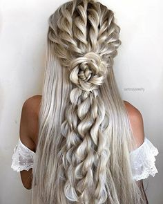 Gorgeous Wedding Hairstyles - Check out 60 wedding hairstyles design ideas and inspiration! No matter what your wedding style is, whether your hair is curly or straight, long hair or short hair, these wedding hairstyles will definitely inspire you. Medium Hair Styles, Curly Hair Styles, Hair Medium, Braided Hairstyles, Cool Hairstyles, Beautiful Hairstyles, Elvish Hairstyles, Creative Hairstyles, Hairdos