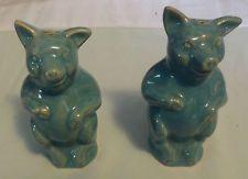 Rosemeade No.Dak. Pottery Standing Blue/Green Pigs Salt Detal