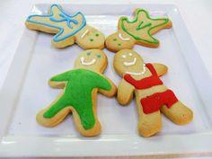 Μπισκότα φιγούρες Gingerbread Cookies, Desserts, Food, Gingerbread Cupcakes, Ginger Cookies, Deserts, Dessert, Meals, Yemek