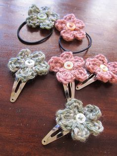 Free Crochet Patterns To Print | Mel P Designs: Free crochet hair clips and hair elastic pattern