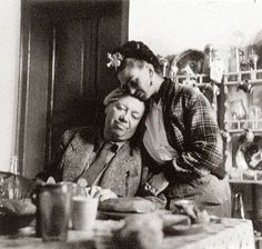 11 de junio de 1940 Mi Diego: Ahora que hubiera dado la vida por ayudarte, resulta que son otras las 'salvadoras'... Pagaré lo que debo con pintura, y después aunque trague yo caca, haré exactamente lo que me dé la gana y a la hora que quiera... Lo único que te pido es que no me engañes   pase lo que pase, siempre te adorará tu Frida.