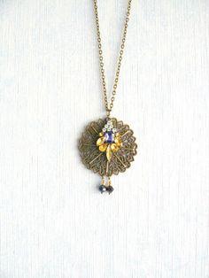 Collier Métal Bronze, Strass et Perles Bleu, Blanc et Jaune : Collier par maj