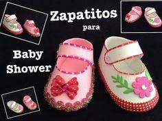ZAPATITOS DE NIÑA  PARA BABY SHOWER CON FOAMY  O GOMA EVA .