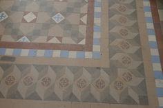 mosaic floor in a modernist housing: www.suelosantiguos.com