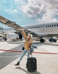 Wanderfullyrylie travel around the world, travel goals, travel style, trave Photography Poses, Travel Photography, Fashion Photography, Beauty Photography, Airplane Photography, Modelling Photography, Photography Music, Photography Articles, Photography Exhibition