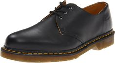 Martens Men's 1461 3 Eye Shoe,Black M US: Leather lace-up Oxford featuring logo-embossed lateral heel and signature yellow-stitched welt Padded footbed Oxford Boots, Oxford Sneakers, Women Oxford Shoes, Shoes Sneakers, Dr Martens Homme, Dr Martens Men, Dr Martens Herren, Top Shoes, Black Shoes
