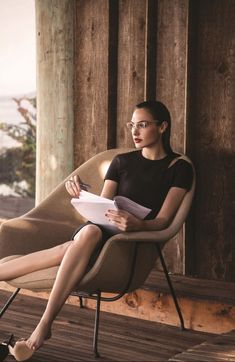 Explore famous, rare and inspirational Gal Gadot quotes. Here are the 10 greatest Gal Gadot quotations on acting, talent, life and success. Beautiful Celebrities, Beautiful Actresses, Beautiful Women, Gal Gadot Wonder Woman, Modelos Fashion, Looks Style, Hollywood Actresses, Taurus, Glamour