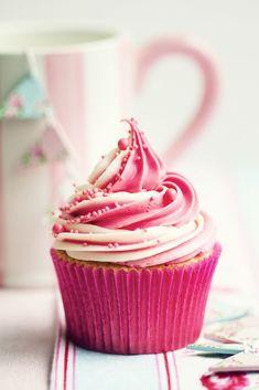 Hot pink swirl cupcake.