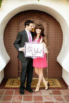 Sweet way to announce an engagement!! #wedding #photography #bride