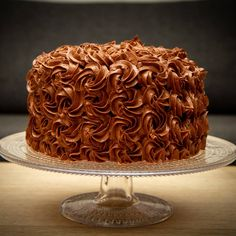 Høy sjokoladekake med bringebærmousse Mousse, Food And Drink, Sweets, Desserts, Baking Soda, Sweet Pastries, Tailgate Desserts, Deserts, Goodies