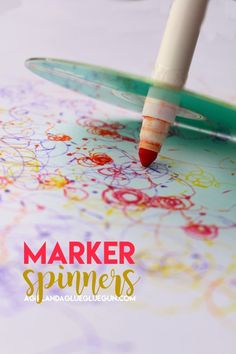 Diy Ideas With Old Cd - Marker Spinners - Recycle Jewelry, Room Decoration Mosaic, Coasters, Garden Art And Diy Home Decor Using Broken Dvd - Photo Album, Wall Art And Mirror - Cute And Easy Diy Gifts For Birthday And Christmas Holidays Marker Crafts, Cd Crafts, Marker Art, Projects For Kids, Crafts For Kids, Craft Projects, Paper Spinners, Recycling For Kids, St Patrick Day Activities