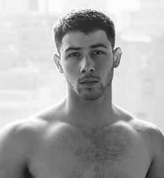 Nick Jonas can Ruin me Nick Jonas Shirtless, Shirtless Men, Nick Jonas Sin Camisa, Nick Jonas Pictures, Hot Men Bodies, Hairy Hunks, Joe Jonas, Nick Jonas Hair, Nick Jonas Smile