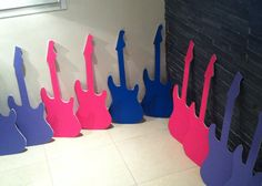 THE POP STAR BARBIE PARTY - DESIGN YOUR GUITAR!