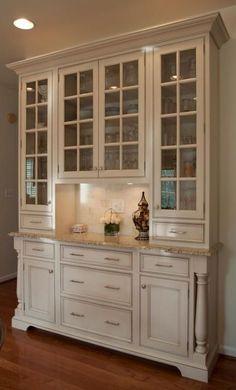 https://i.pinimg.com/236x/17/12/bb/1712bb8acfb035c85797c501c9aa902d--hutch-buffet-kitchen-hutch.jpg