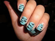 I would like this on my fingers or big toes and the other nails a solid color