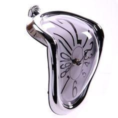 Schmelzende Uhr im Stil von Dali :: auf ztyle.de