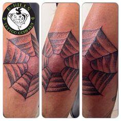 #spiderweb #dotwork #dotworktattoo #tattoo #ink #art #tattooartist #larabhills #ladyoktopustattooartist #cittadella #tattoocittadella