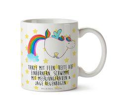 """Tasse Einhorn Pegasus aus Keramik  Weiß - Das Original von Mr. & Mrs. Panda.  Eine wunderschöne Keramiktasse aus dem Hause Mr. & Mrs. Panda, liebevoll verziert mit handentworfenen Sprüchen, Motiven und Zeichnungen. Unsere Tassen sind immer ein besonders liebevolles und einzigartiges Geschenk. Jede Tasse wird von Mrs. Panda entworfen und in liebevoller Arbeit in unserer Manufaktur in Norddeutschland gefertigt.    Über unser Motiv Einhorn Pegasus  Ganz nach dem Motto """"Einen Regenbogen nennt…"""