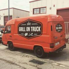 Food truck Grill On Truck Best Food Trucks, Grilling, Van, Business, Food Truck, Vans, Business Illustration, Backen, Grill Party