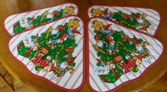 Vintage 1979 UNIEBOEK GNOME Elf CLOTH QUILTED PLACEMATS Christmas Tree Red White #1979UNIEBOEKBV