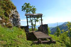 Liptovský hrad - fotogaléria - myliptov.sme.sk - myliptov.sme.sk Bird Feeders, Building, Outdoor Decor, Travel, Viajes, Buildings, Destinations, Traveling, Trips