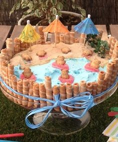 fiestas y cumples Beauty Trends 2019 beauty trends natural Pool Party Cakes, Pool Cake, Hawaiian Birthday, Luau Birthday, Party Fiesta, Luau Party, Beach Party, Fancy Cakes, Cute Cakes