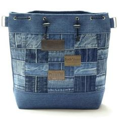 Jeans & Denim: Recycled, Upcycled and Repurposed by ruth Sacs Tote Bags, Denim Tote Bags, Denim Handbags, Denim Purse, Diy Jeans, Jean Purses, Denim Ideas, Recycled Denim, Fabric Bags