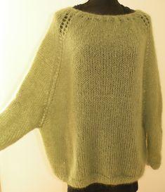 Feinstrickbluse in der Farbe apfelgrün Source by EIHennemann Hand Knitted Sweaters, Mohair Sweater, Sweater Knitting Patterns, Knit Patterns, Poncho Pullover, Knit Vest Pattern, Casual Sweaters, Crochet Fashion, Knitwear