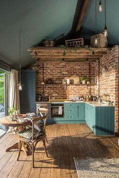 Home Decor Kitchen, Interior Design Kitchen, Home Kitchens, Dream Home Design, House Design, Sheltered Housing, Küchen Design, Cozy House, Home Decor Inspiration