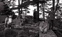 """""""Seven intellectuals in bamboo forest"""" de Yang Fudong (2003).  L'artiste publie ses photographies sur un très beau site à l'adresse suivante : www.yangfudong.com/"""