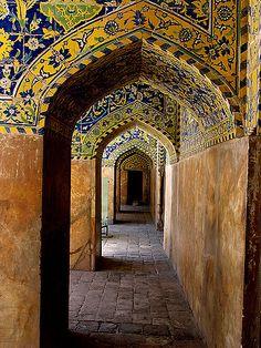 Imam(Shah) Mosque, Isfahan, Iran, built during the reign of Shah Abbas II (c… Persian Architecture, Beautiful Architecture, Art And Architecture, Architecture Details, Teheran, Place Of Worship, Moorish, Islamic Art, Portal