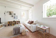 A total white house with some vintage/design furniture / Una casa tutta bianca, con pezzi di design e vintage