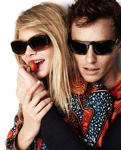 Burberry Primavera / Verano 2012 campaña publicitaria protagonizada por Eddie Redmayne y Cara Delevingne fotografiada por Mario Testino.