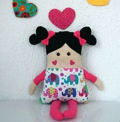 Muñeca colorida / #colorida #Muñeca Fabric Toys, Fabric Crafts, Sewing Crafts, Sewing Projects, Kids Pillows, Animal Pillows, Sock Dolls, Baby Dolls, Sewing For Kids