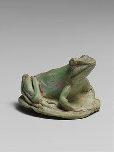 Faience amulet in the form of a tree frog, Hellenistic period (poss. 3rd to 1st century BC), possibly Egyptian