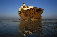 Ship Breaking in Bangladesh2