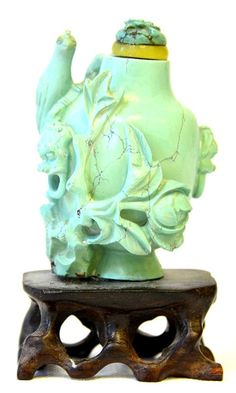 A Chinese Turquoise Snuff Bottle : Lot 11