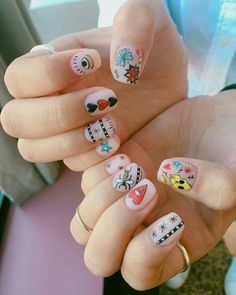 What Christmas manicure to choose for a festive mood - My Nails Gorgeous Nails, Love Nails, Pretty Nails, My Nails, Nail Design Stiletto, Nail Design Glitter, Cute Halloween Nails, Halloween Acrylic Nails, Minimalist Nails