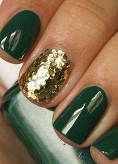 St Patty's Day Nails - Dark Green w/ gold glitter accent nail