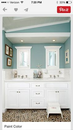 Beach House Bathroom Decor And Modern Bathroom Design Using The Most Delightful Ideas To Create A . Bad Inspiration, Bathroom Inspiration, Creative Inspiration, Creative Ideas, Style At Home, Strand Design, Sweet Home, Beach Bathrooms, Beachy Bathroom Ideas