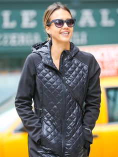 Star Tracks: Wednesday, April 15, 2015 | BRIGHTEN UP | Jessica Alba flashes her pearly whites while walking around New York City with friends on Tuesday.