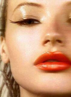 Golden glow #makeup #beauty