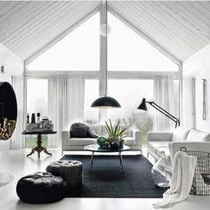 Black&white @adoreinterior_s #interiorinspiration #decor #furnituredesign #architecture #decorating #interiors #homestyle #interiør #inspiration #luxury #instahome #livingroom #homesweethome #interiordesign #diningroom #interior #living #home #homedesign #design #scandinaviandesign #homedecor #evdekorasyonu #furniture #interior4all #decoration #luxuryliving #house #instadecor #myhome by _designforhome_ http://discoverdmci.com