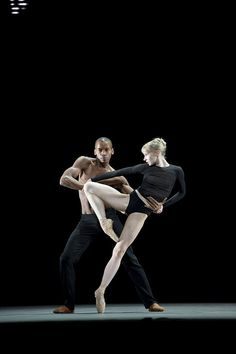 Eric Underwood and Melissa Hamilton in Infra. Photo: Bill Cooper #ballet #dance #RoyalBallet #London #RoyalOperaHouse