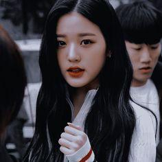Role Player, Uzzlang Girl, Ulzzang, Girl Group, Victoria, Yuri, Kpop, Cool Stuff, Vintage