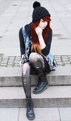black boots ripped tights beanie grunge rock style fashion