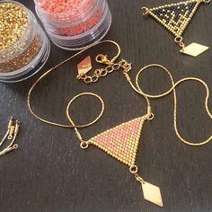 Mini nel ☆ Bijoux☆ sur Instagram : Dernier petit projet, déjà tissé en 3…