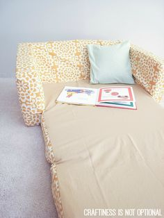 toddler couch makeover by craftiness is not optional