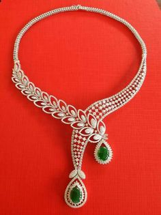 Necklace with dimond and jade